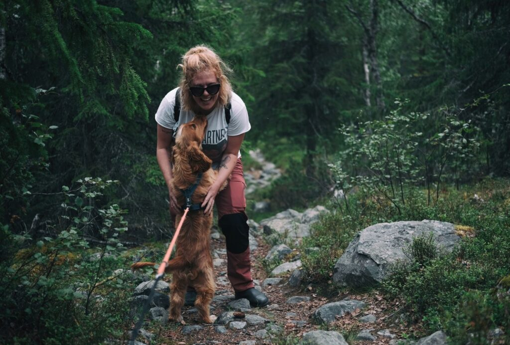 Teach your dog a release cue before he gets to great people. Ideally with all 4 paws on the ground...